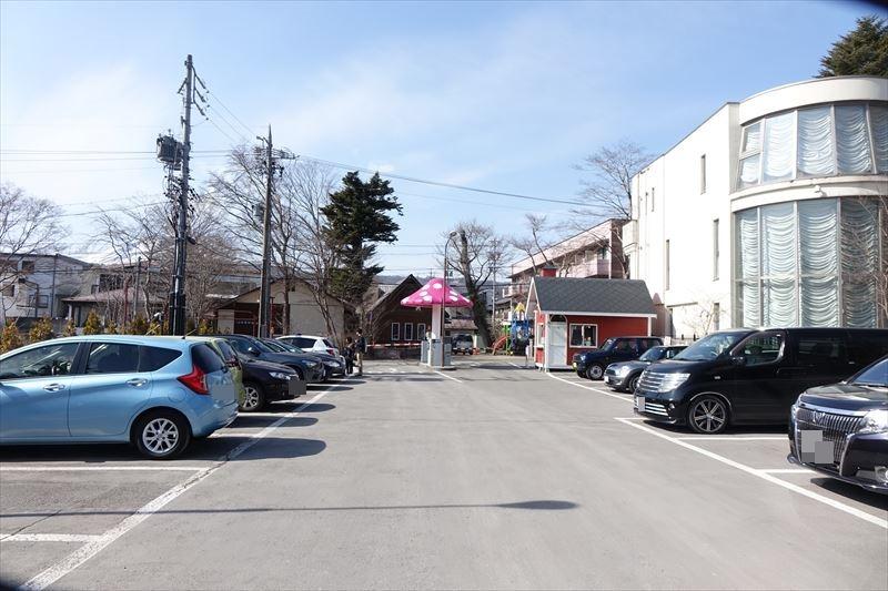 軽井沢銀座 駐車場