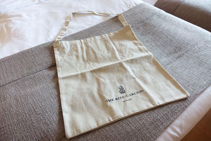 沖縄リッツカールトン 服装 サンダル ビーチバッグ