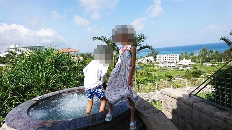 沖縄リッツカールトン ホテル 服装  子供